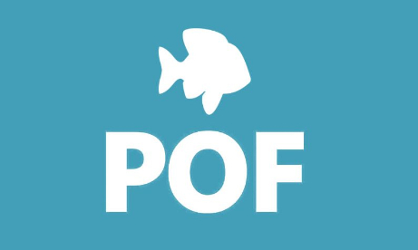 Logo de Plenty of Fish. Fondo celeste.