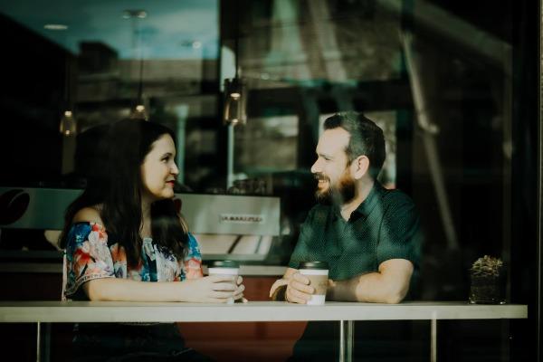 Como buscar pareja estable más de 40 en un restaurant